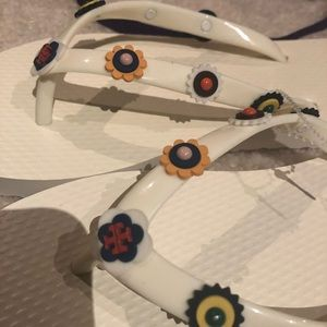 82f2e8b8a024 Tory Burch Shoes - Tory Burch Marguerite 2 flip flop